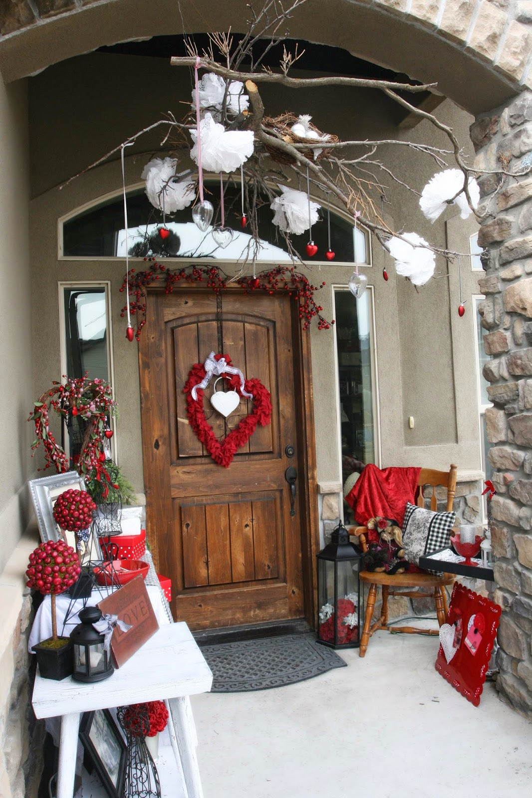 Adventures of a BusyBee: Valentines Porch Decor with a ...