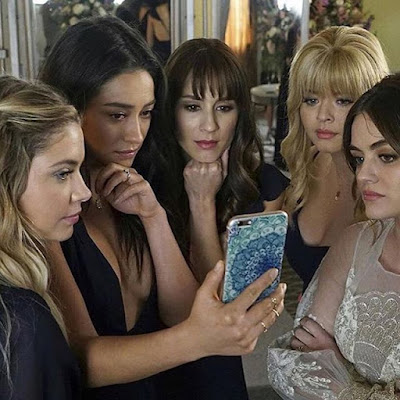 """Pretty Little Liars"" cast Ashley Benson, Lucy Hale, Shay Mitchell, Troian Bellisario and Sasha Pieterse"