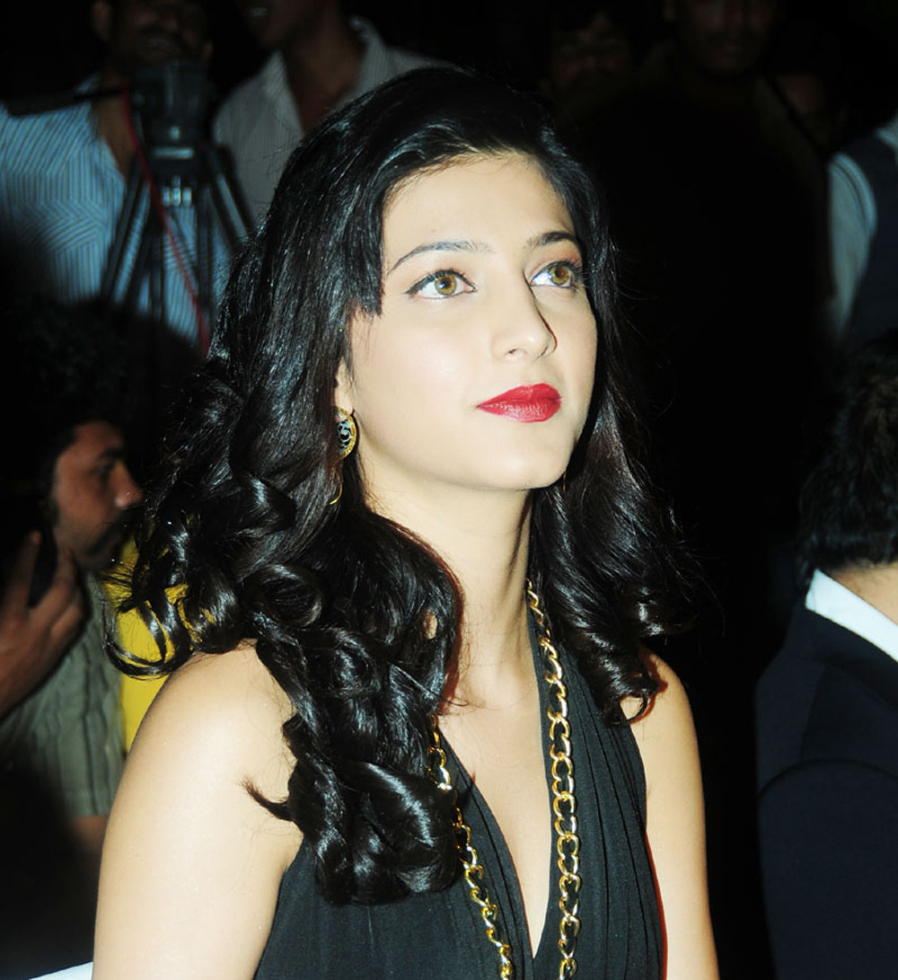 glorious Shruthi hassan latest gallerie