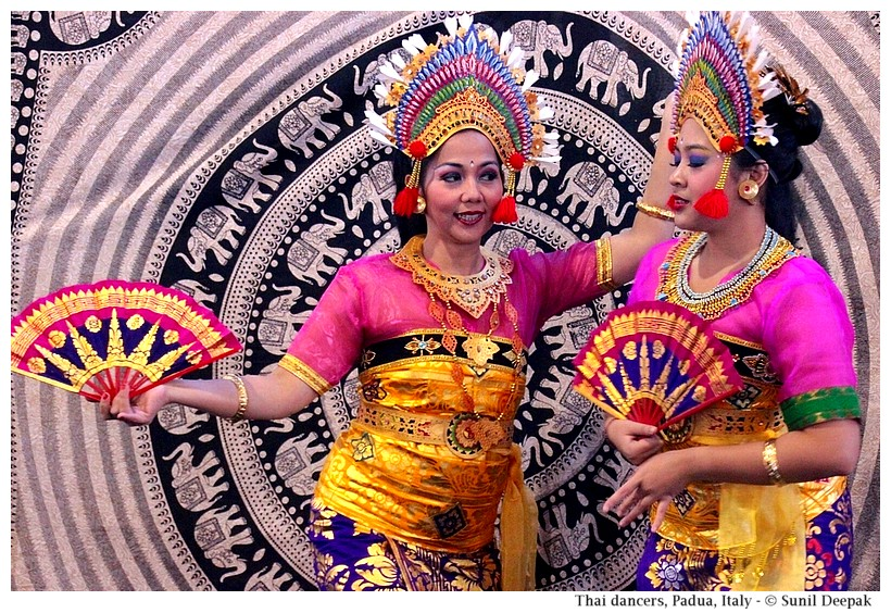 Thai dancers, Orient festival, Padova, Italy - Images by Sunil Deepak