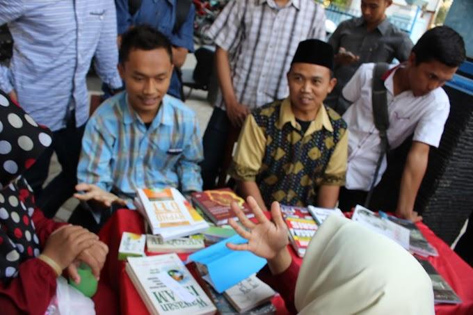 IMM PK Ahmad Dahlan Buka Stand Dihari Pertama Masuk Kuliah
