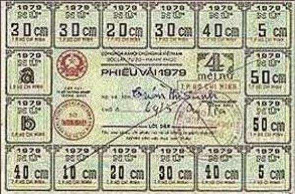 Uang Kumpulan Voucher dari Vietnam