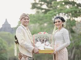 Sudah Sah, 5 Artis Indonesia Jalani Puasa Pertama Bersama Pasangan, Kamu Kapan?