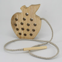 TT02, Threading Apple, Lotes Wooden Toys