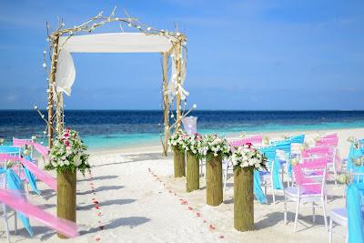 beach wedding scene
