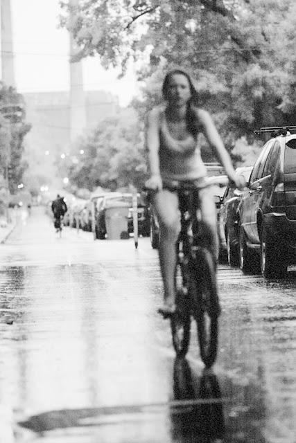 montrealize i m biking in the rain