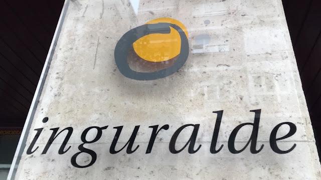 Placa de la sede central de la agencia de desarrollo Inguralde
