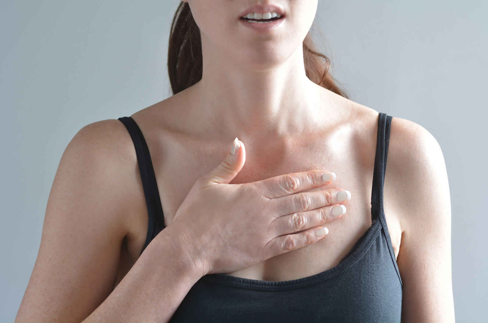 8 Heart Attack Symptoms in Women