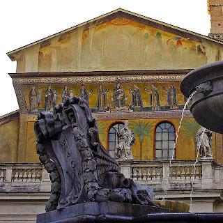 Fachada da Santa Maria in Trastevere, passeios em Roma com foco nos mosaicos medievais