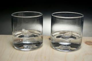 Arte y vaso de vidrio