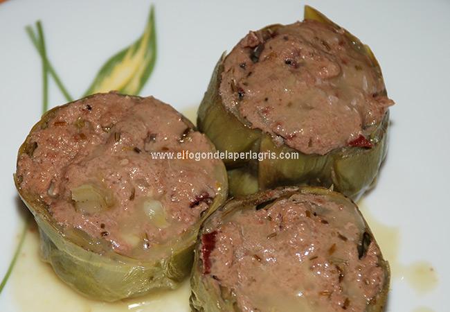 Alcachofas rellenas de jamón y queso