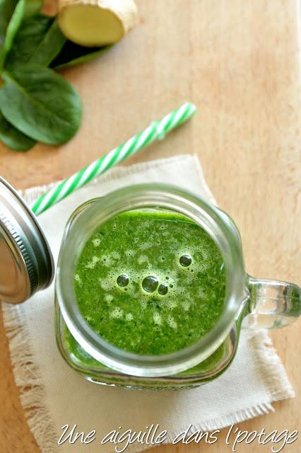 Green smoothie banane-épinard-gingembre