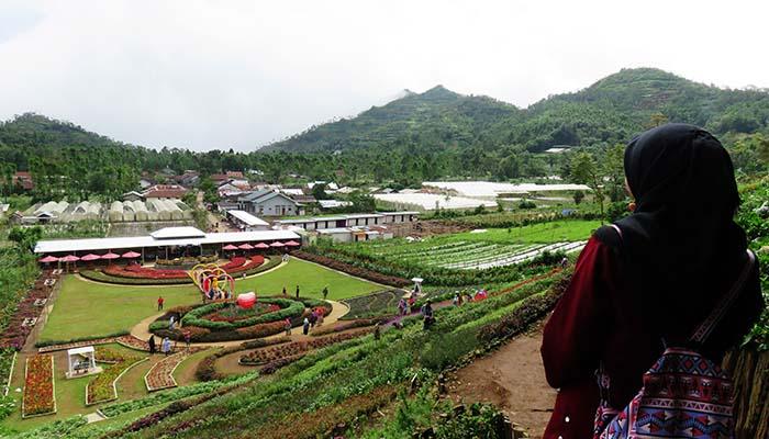 Taman Bunga Kutabawa dari Ketinggian