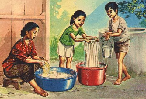 Santi Dewi Irit Tapi Bukan Pelit  Tanpa Mesin Cuci