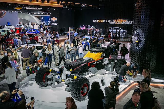 lego-batmobile-chevrolet detroit auto show 2017