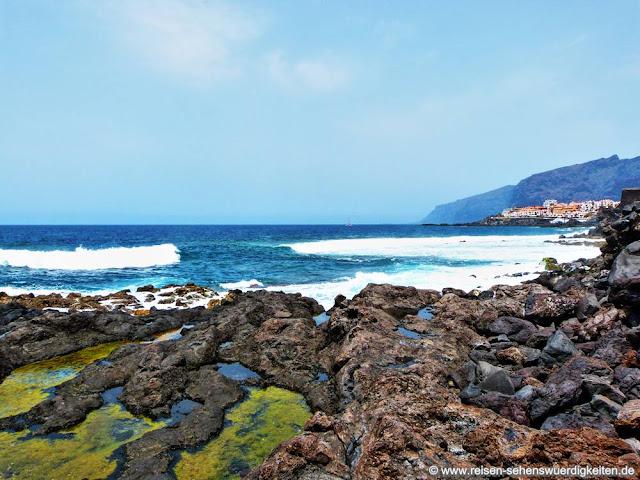 Atlantik und Blick zu Los Gigantes auf Teneriffa