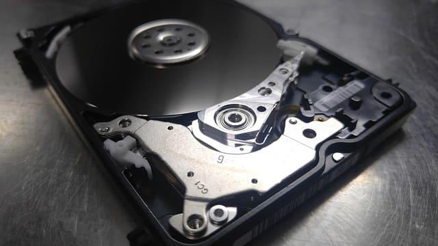 Penyebab harddisk rusak & tidak terbaca di laptop komputer