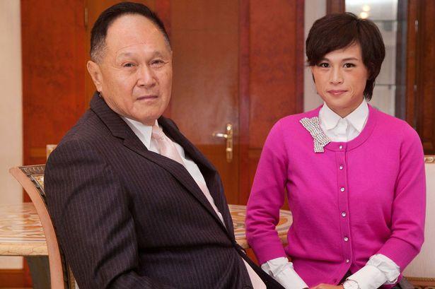 Nag-Alok Ang Isang Bilyonaryo Ng $180 Million Sa Lalaking Kayang Pakasalan Ang Kanyang Anak.
