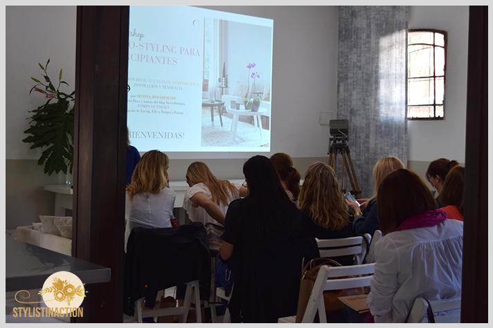 Workshop ABC deco styling en Host Husares Home Studio. Todas atentas en las charlas de las genias Silvina Bidabehere y Pompi Gutnisky
