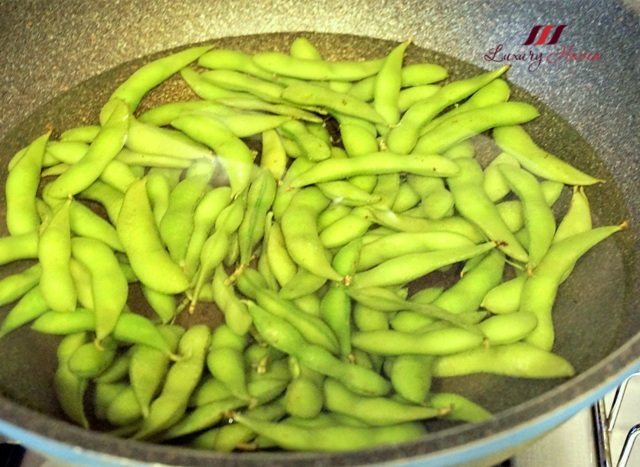 how to eat edamame