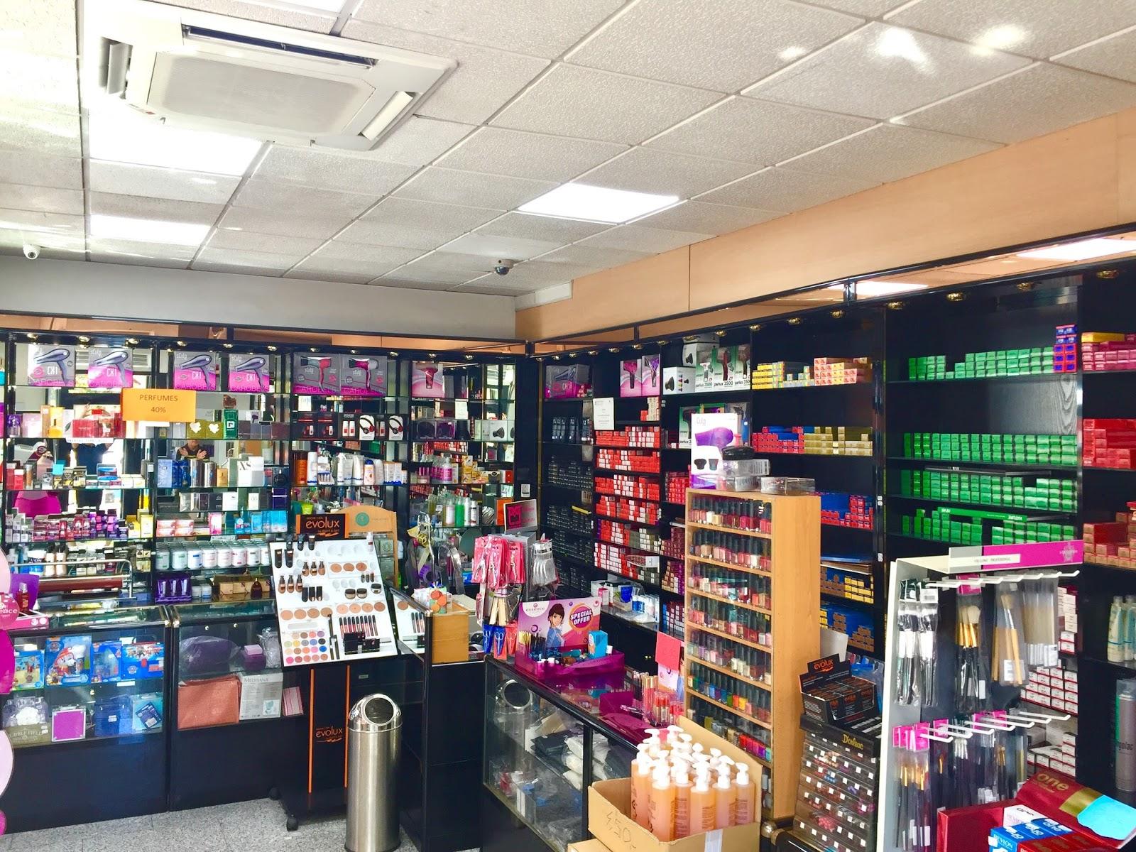 Productos de peluqeria profesioanales Comercial Cortes