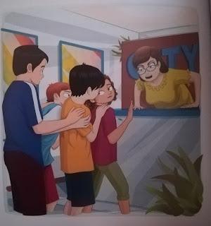 Imagen en el que se ven a Raúl, Sonia, Txano y Óscar asustados por una mujer de información que les mira de mal humor.