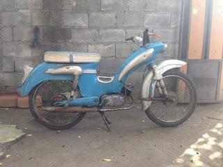 Koleksi Motor Antik Victoria Dijual....