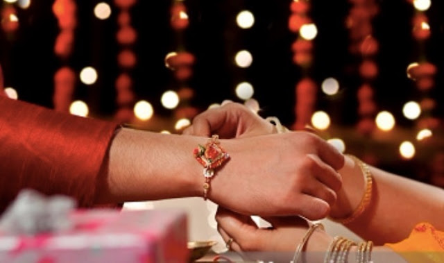 Raksha Bandhan 2017 Date in India with Chandra Grahan Timings: Shubh Muhurat to Tie Rakhi with Puja Vidhi
