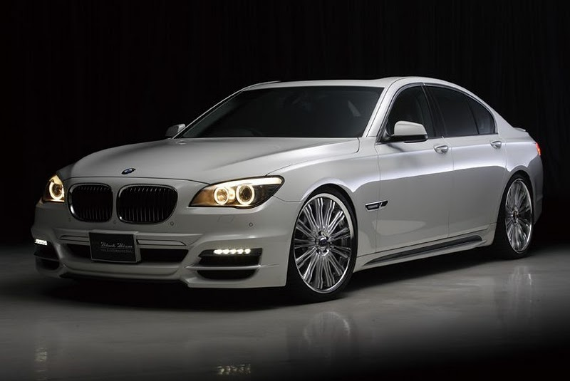 All Car Reviews 02: 2011 BMW-7 Series, A Luxury Sedan