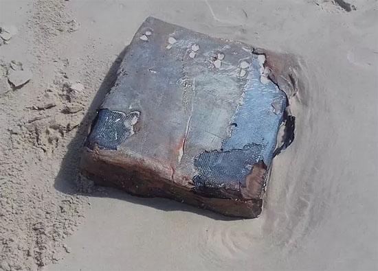 Misteriosas caixas não identificadas voltam a aparecer no litoral do Ceará - img1
