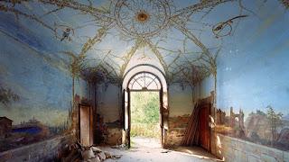 Μία τελευταία ματιά στα εγκαταλειμμένα παλάτια της Ιταλίας λίγο πριν καταστραφούν για πάντα