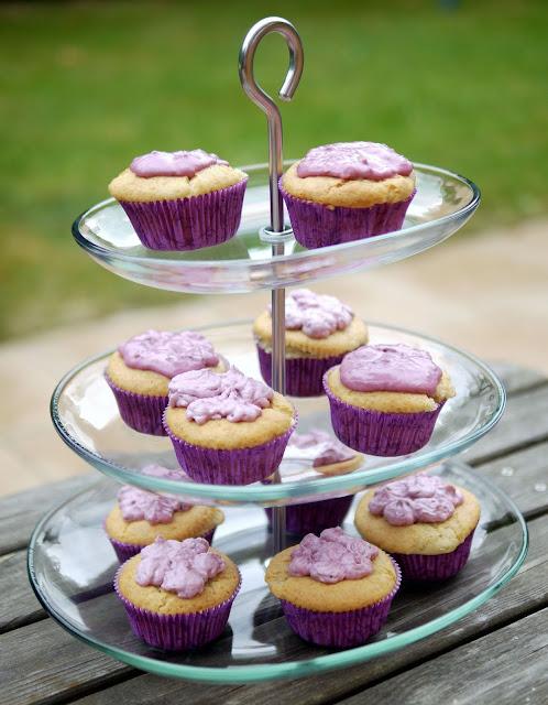 Cupcakes mit Brombeerfüllung | Backen | Muffins | Rezept