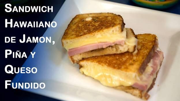 Panini o Sandwich Hawaiiano de Jamon, Piña y Queso Fundido