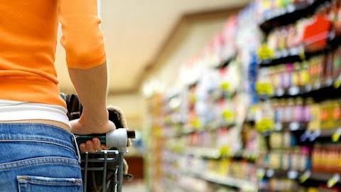 Elemzők: a bérkiáramlás húzza a kiskereskedelmi forgalmat