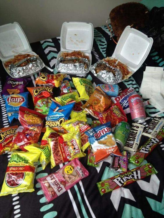 Dampak bagi kesehatan jika banyak mengkonsumsi junk food alias makanan tidak sehat dan bergizi.