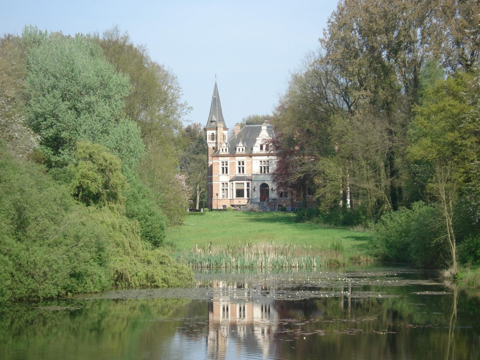 het Blankaart kasteel in Woumen