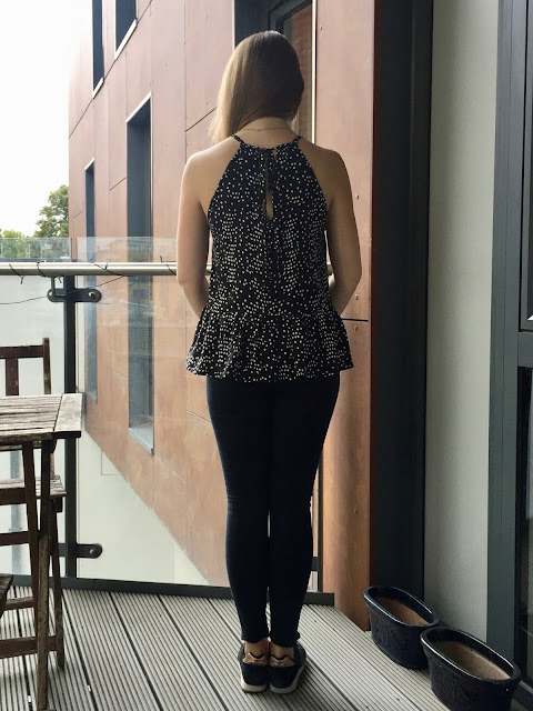 Diary of a Chain Stitcher: Monochrome Dotty Viscose Gypsy Swing Top from Sew This Pattern