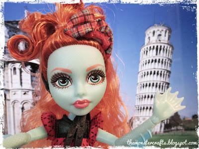 Lorna selfie in Pisa