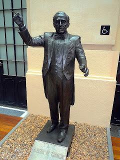 Estátua do Maestro Eleazar de Carvalho na Estação Júlio Prestes