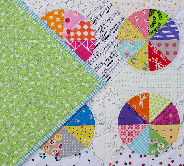 A Piece of the Pie ~ Drunkard's Path Quilt - Red Pepper Quilts