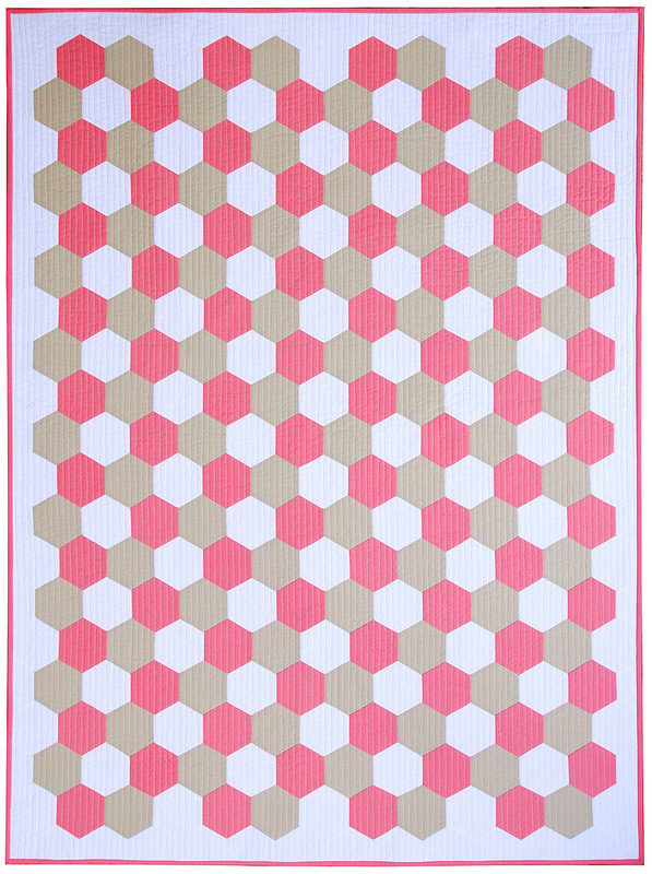 Pink Flamingo Hexagon Quilt: Machine Pieced Hexagons Tutorial | © Red Pepper Quilts 2017