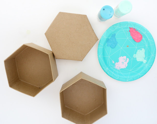 A Kailo Chic Life Craft It Faux Wood Hexagon Storage Boxes