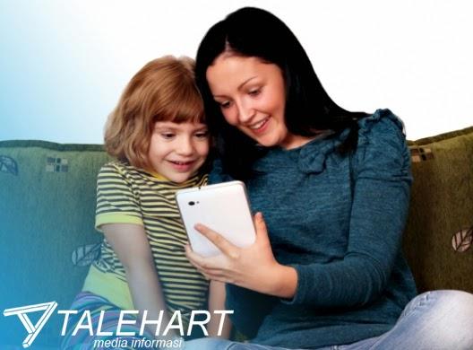 """Banyak Orangtua yang Sudah Salah Mengandalkan Gadget untuk """"Mengasuh"""" Anak"""