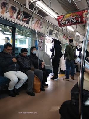 sensasi naik kereta monorail di Jepang