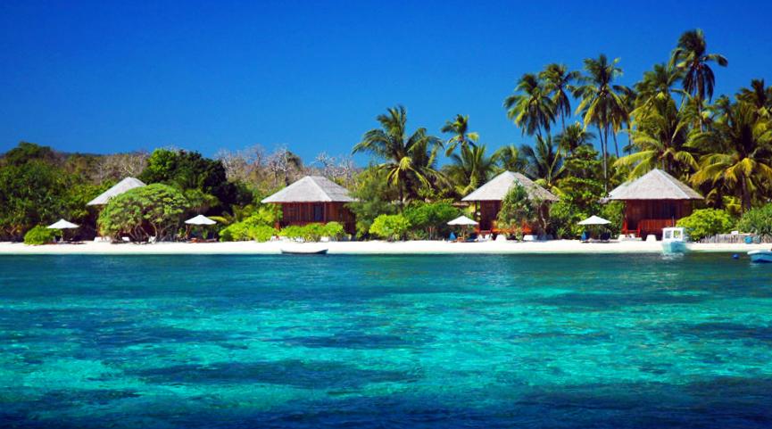 wisata indonesia yang bagus air laut biru indah pemandangan