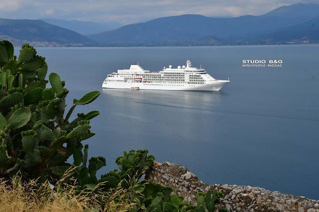 Στο Ναύπλιο το κρουαζιεροπλοιο Silver Whisper