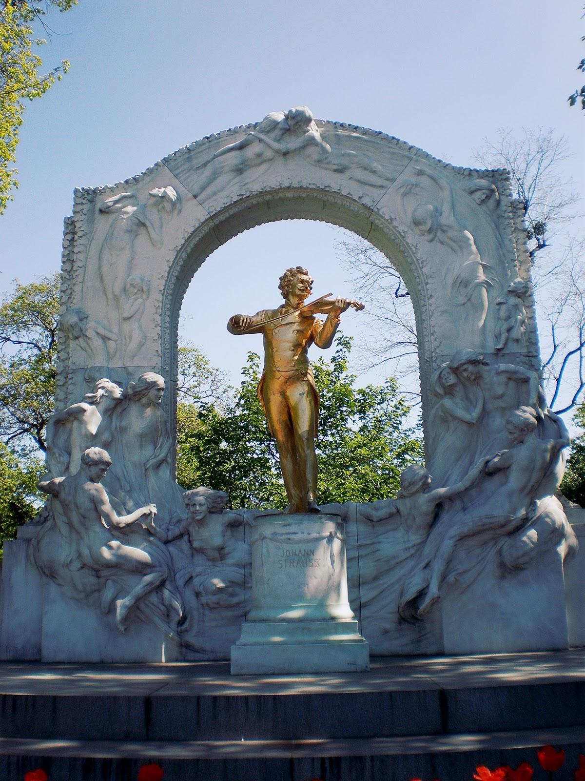 Złoty pomnik Johanna Straussa