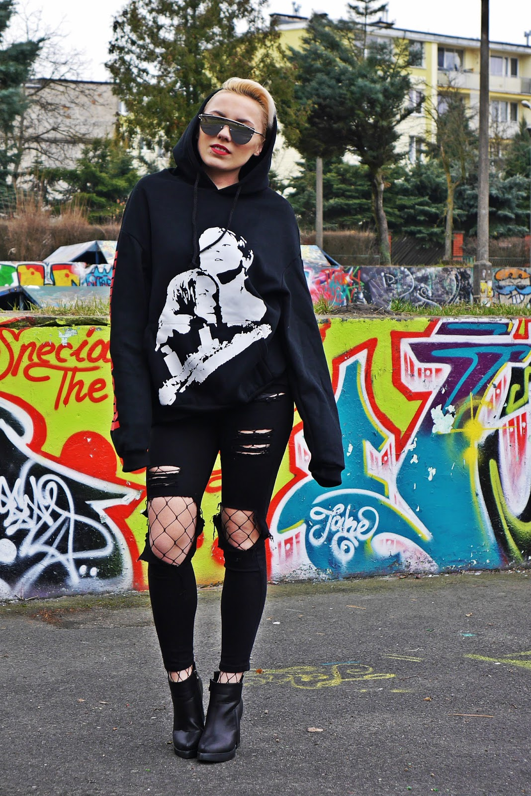black_pants_hoodies_titanic_coming_soon_karyn_blog_210317c