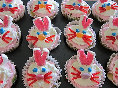 These Easter Bunny cupcakes are surprisingly easy to make and so fun and festive for celebrating Easter at home or with friends. #WomenLivingWell #Easter #Bunny #cupcakes