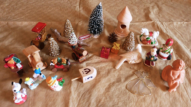 An assortment of themed decorations from a thrift shop